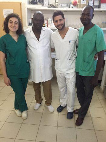 Donación de libros de Medicina del Hospital Le Bon Samaritain de Yamena (Republica de El Chad)