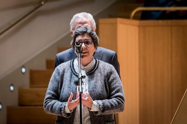 La hermana Cristina Antolín pronunciando un discurso sobre la su labor junto a Recover.
