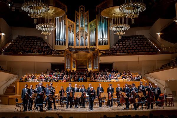 Los Virtuosos de Moscú sobre el escenario